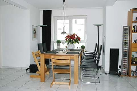 angebote miete ludwigshafen r e s e r v i e r t attraktives eckhaus mit vielen. Black Bedroom Furniture Sets. Home Design Ideas
