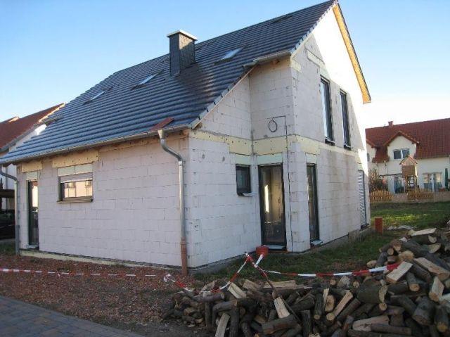 angebote kauf g nnheim verkauft einfamilienhaus rohbaustadium der innenausbau. Black Bedroom Furniture Sets. Home Design Ideas
